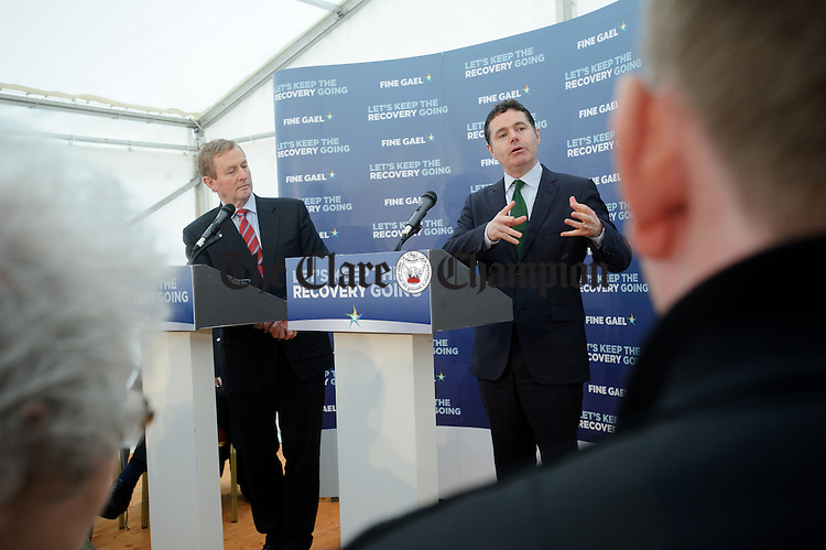 during the visit of the Taoiseach to Loop Head to launch the Fine Gael tourism initiative. Photograph by John Kelly.