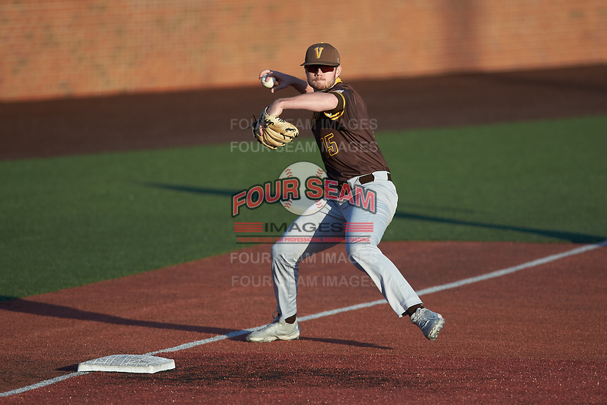 Valparaiso Crusaders third baseman Kaleb Hannahs (15) fields a ground ball during the game against the Western Kentucky Hilltoppers at Nick Denes Field on March 19, 2021 in Bowling Green, Kentucky. (Brian Westerholt/Four Seam Images)