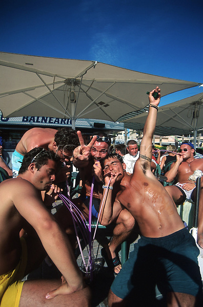 Spanien, Mallorca, S'Arenal, <br /> Playa de Palma, deutsche <br /> Sauftouristen, <br /> <br /> Europa, Balearen, Ballermann, Touristen, Saufen, Sangria, Alkohol<br /> 079706808