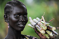 SOUTH SUDAN  Bahr al Ghazal region , Lakes State, town Rumbek , portrait of Dinka woman