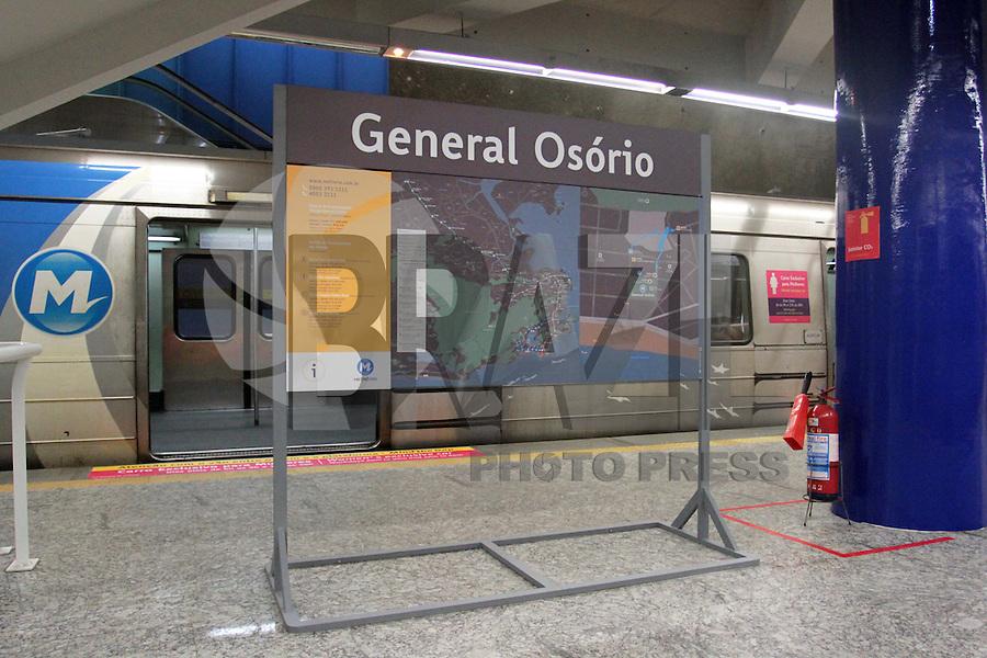 RIO DE JANEIRO, RJ, 15.12.2013 - REABERTURA DA ESTAÇÃO GENERAL OSÓRIO DO METRO - A estação General Osório, em Ipanema zona sul, que ficou fechada  por dez meses reabriu no domingo (15). A estação ficou fechada para montagem de equipamentos para obras da linha 4. As estação será novamente ponto de integração das linhas de Metrô na Superfície até a Gávea e a linha 525 (Barra Expresso), mantendo o mesmo itinerário de antes do fechamento da estação. Domingo 15. (Foto: Levy Ribeiro / Brazil Photo Press)