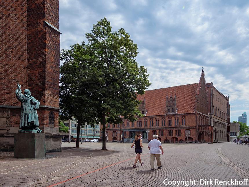 Marktkirche und Altes Rathaus an Platz AmMarkt in Hannover, Niedersachsen, Deutschland, Europa<br /> Market church and Old Tonwhall at square Am Markt in Hanover, Lower Saxony, Germany, Europe