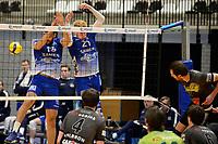 06-03-2021: Volleybal: Amysoft Lycurgus v Active Living Orion: Groningen blok met Lycurgus speler Hossein Ghanbari en Lycurgus speler Bennie Tuinstra gepasseerd