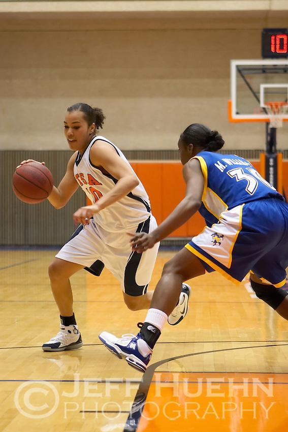 SAN ANTONIO, TX - JANUARY 7, 2006: The McNeese State University Cowgirls vs. The University of Texas at San Antonio Roadrunners Women's Basketball at the UTSA Convocation Center. (Photo by Jeff Huehn)
