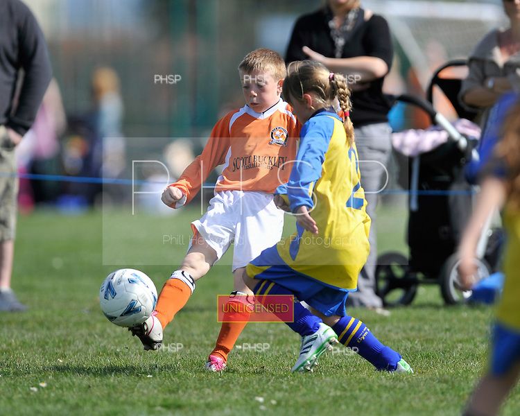 09/04/2011 Coulton cup semi finals....© Phill Heywood.09/04/2011 Coulton Cup Semi Final U-19 Plate AFC Blackpool v Fleetwood Gym.©  Phill Heywood