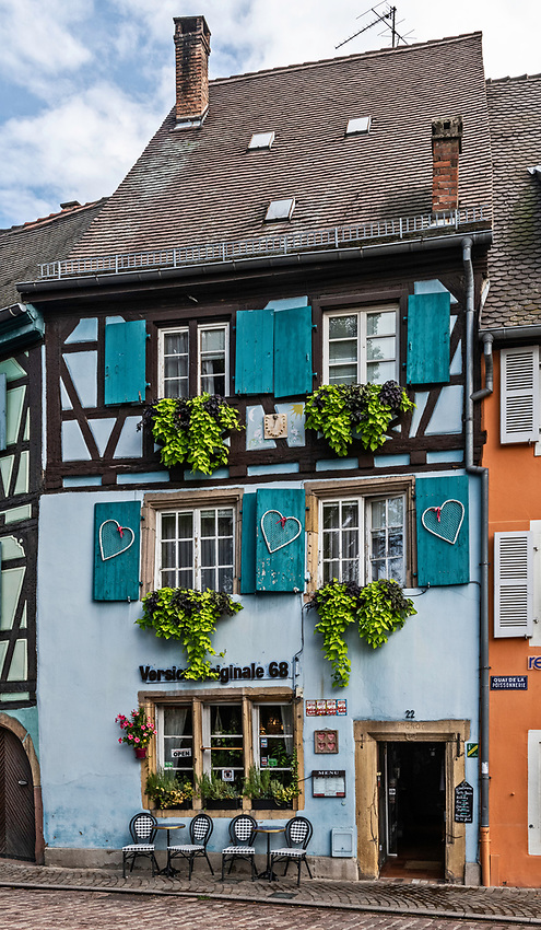 A colorful restaurant on the Quai de la Poissonnerie in Colmar