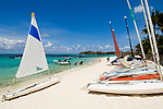 MUS, Mauritius, Poste de Flacq, Belle Mare Plage Resort: Strand, Boote | MUS, Mauritius, Poste de Flacq, Belle Mare Plage Resort: beach, boats