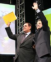 Roma 11 02 2006 Unione:Presentazione del Programma 2006-2011<br /> Nella foto il segretario dell'Udeur Clemente Mastella e il leader dell'Unione Romano Prodi<br /> Photo Serena Cremaschi Insidefoto