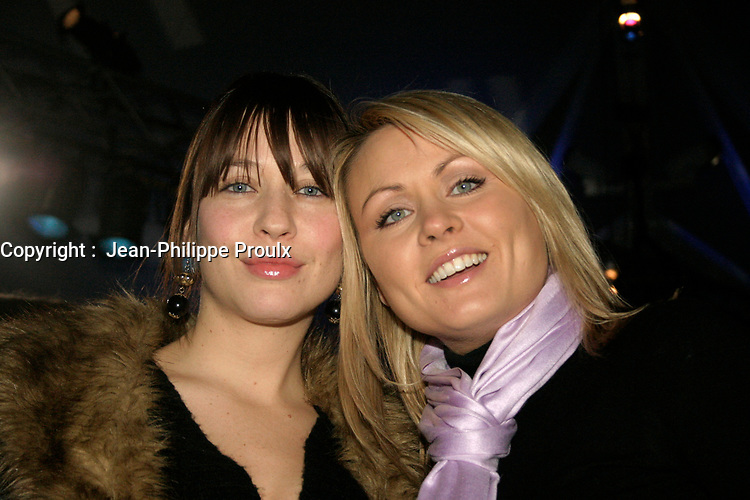 Mitsou (R)  and her sister Abeille Gelinas (L)<br /> attend the Cirque du Soleil - DELIRIUM premiere  in Montreal , February 26, 2006<br /> photo : (c) by JP Proulx - Images Distribution