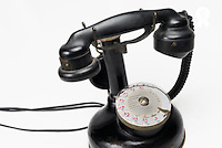 Antique telephone (Thomson 1921) French dial  (Licence this image exclusively with Getty: http://www.gettyimages.com/detail/101227249 )