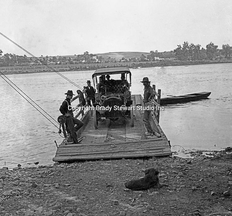 Southwestern Ohio:  Brady Stewart's 1906 Buick crossing the Ohio River on a poled ferry.