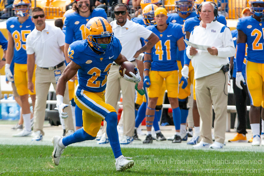 Pitt running back Vincent Davis. The Pitt Panthers defeated the New Hampshire Wildcats 77-7 at Heinz Field, Pittsburgh, Pennsylvania on September 25, 2021.
