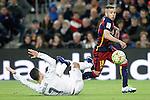 FC Barcelona's Jordi Alba (r) and Real Madrid's Cristiano Ronaldo during La Liga match. April 2,2016. (ALTERPHOTOS/Acero)