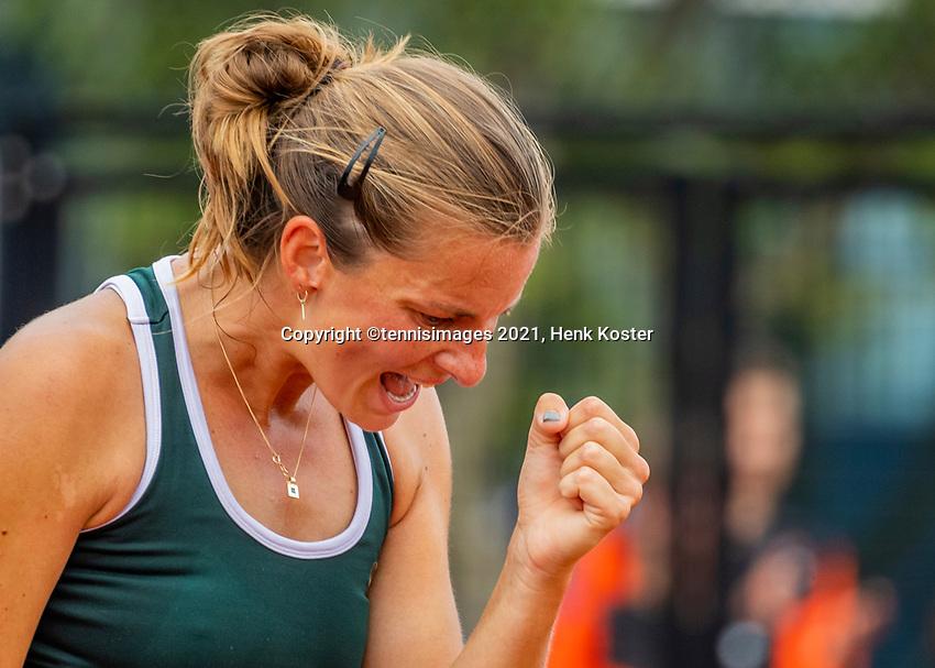 Amstelveen, Netherlands, 10 Juli, 2021, National Tennis Center, NTC, Amstelveen Womans Open,  Semifinal: Quirine Lemoine (NED) in jubilation, she makes it to the final by defeating Cadantu (ROU)<br /> Photo: Henk Koster/tennisimages.com
