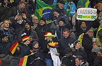 Fans aus Deutschland und Brasilien friedlich im Block - 27.03.2018: Deutschland vs. Brasilien, Olympiastadion Berlin