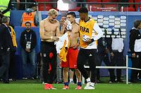 Julian Brandt (Deutschland Germany) und Charles Aranguiz (Chile) tauschen Trikots, Benjamin Henrichs (Deutschland Germany) daneben - 22.06.2017: Deutschland vs. Chile, Kazan Arena