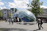 Eindhoven Centrum. 18 Septemberplein. Koepel van America Today