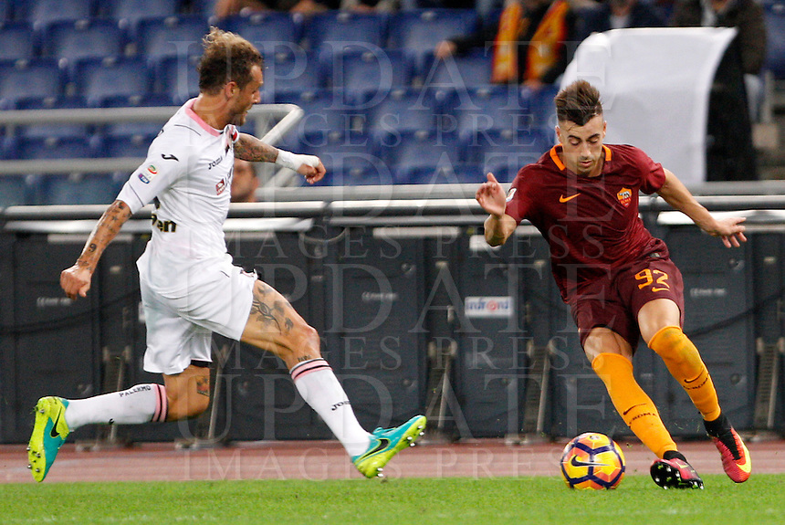 Calcio, Serie A: Roma vs Palermo. Roma, stadio Olimpico, 23 ottobre 2016.<br /> Roma's Stephan El Shaarawy, right, is challenged by Palermo's Alessandro Diamanti during the Italian Serie A football match between Roma and Palermo at Rome's Olympic stadium, 23 October 2016. Roma won 4-1.<br /> UPDATE IMAGES PRESS/Riccardo De Luca