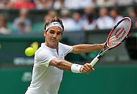 England, London, Juli 02, 2015, Tennis, Wimbledon,  Roger Federer (SUE) in is match against Sam Querrey (USA)<br /> Photo: Tennisimages/Henk Koster