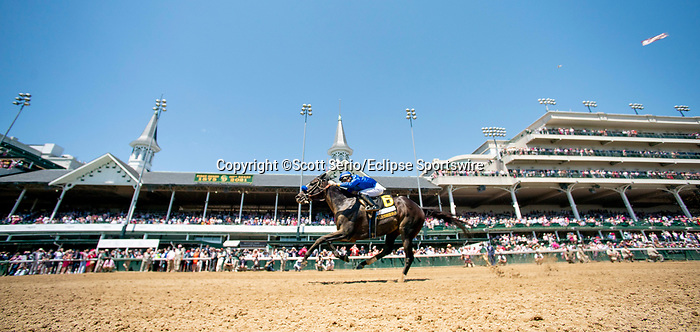 April 30, 2021 : Maxfield, #6, ridden by jockey Jose L. Ortiz, wins the Alysheba Graded Stakes on Kentucky Oaks Day at Churchill Downs on April 30, 2021 in Louisville, Kentucky. Scott Serio/Eclipse Sportswire/CSM