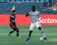 FOXBOROUGH, MA - SEPTEMBER 23: Victor Wanyama #2 of Montreal Impact traps the ball during a game between Montreal Impact and New England Revolution at Gillette Stadium on September 23, 2020 in Foxborough, Massachusetts.