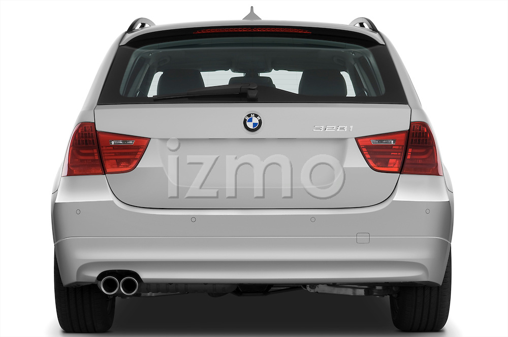Straight rear view of a 2009 bmw 3 series wagon 328