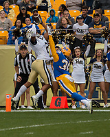 Georgia Tech wide receiver Ricky Jeune scores on a 31-yard touchdown catch. The Pitt Panthers defeated the Georgia Tech Yellow Jackets 37-34 at Heinz Field in Pittsburgh, Pennsylvania on October 08, 2016.