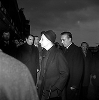 Obsèques de Vincent Auriol,le  3 Janvier 1966,Toulouse, FRANCE<br /> <br /> Vue d'un groupe de personnes, dont François Mitterand et Pierre Baudis,<br /> <br /> AURIOL fut President de la France  du 16 JANVIER 1947 qu 16 JANVIER 1954, Ildecede le 1er JANVIER 1966