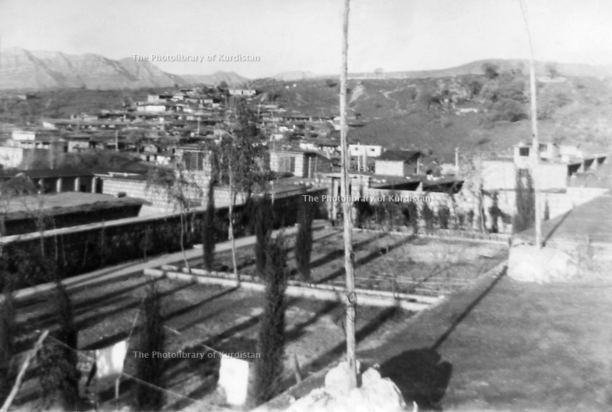Irak 1960.Vue sur le village de Barzan.Iraq 1960.View on the village of Barzan