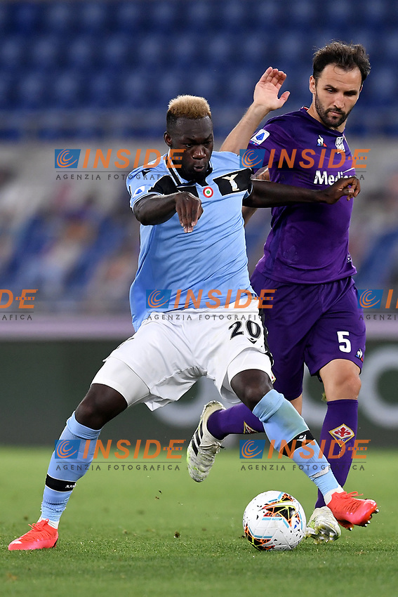 Felipe Caicedo of SS Lazio and Milan Badelj of Fiorentina compete for the ball during the Serie A football match between SS Lazio and ACF Fiorentina at stadio Olimpico in Roma ( Italy ), June 27th, 2020. Play resumes behind closed doors following the outbreak of the coronavirus disease. Photo Antonietta Baldassarre / Insidefoto