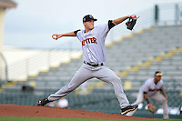 Jupiter Hammerheads pitcher Scott Lyman (31) delivers a pitch during a game against the Bradenton Marauders on April 17, 2015 at McKechnie Field in Bradenton, Florida.  Bradenton defeated Jupiter 11-6.  (Mike Janes/Four Seam Images)