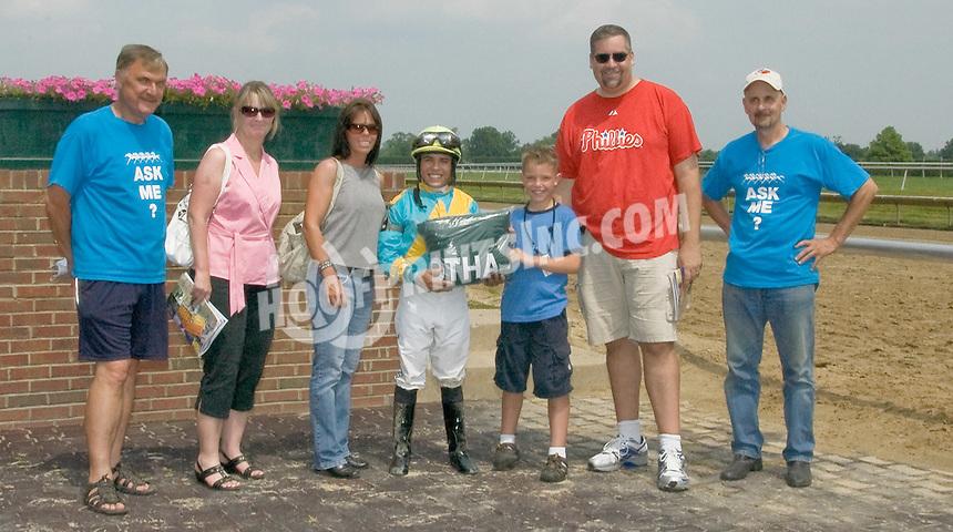 Wealthy Aviator winning at Delaware Park on 6/18/11