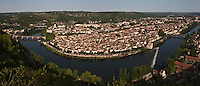 Europe/Europe/France/Midi-Pyrénées/46/Lot/Cahors: Vue sur le  toits de la ville et le méandre du Lot depuis le Mont Saint Cyr