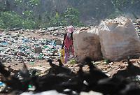 AMAZONAS, LÁBREA, 31.08.2019: LIXÃO-LÁBREA. Catadores trabalhando no lixão. Muita fumaça devido ao fogo em lixão de Lábrea, na tarde deste sábado (31), no interior do Amazonas, na BR 230. <br /> Foto: Sandro Pereira/Codigo19