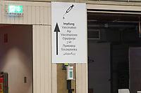 Schild zum Impfbereich im Impfzentrum - Gross-Gerau 21.12.2020: Impfzentrum Groß-Gerau in der Sporthalle der Martin-Buber Schule