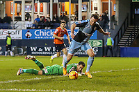 Garry Thompson of Wycombe Wanderers rounds Mark Tyler of Luton Town (green) to score the opening goal against Luton Town during the Sky Bet League 2 match between Luton Town and Wycombe Wanderers at Kenilworth Road, Luton, England on 26 December 2015. Photo by David Horn.