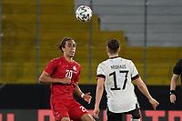 Florian Neuhaus (Deutschland Germany) gegen Yussuf Poulsen (Dänemark, Denmark) - Innsbruck 02.06.2021: Deutschland vs. Daenemark, Tivoli Stadion Innsbruck