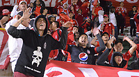 TUNJA- COLOMBIA, 03-02-2019:Hinchas del América de Cali.Acción de Juego entre los equipos Patriotas Boyacá y El América de Cali   durante partido por la fecha 3 de la Liga Águila I  2019 jugado en el estadio La Independencia de la ciudad de Tunja. / Fans ofAmerica of Cali.Action game between Patriotas Boyaca and America of Cali during the match for the date 3 of the Liga Aguila I 2019 played at the La Independencia stadium in Tunja city. Photo: VizzorImage / José Miguel Palencia / Contribuidor