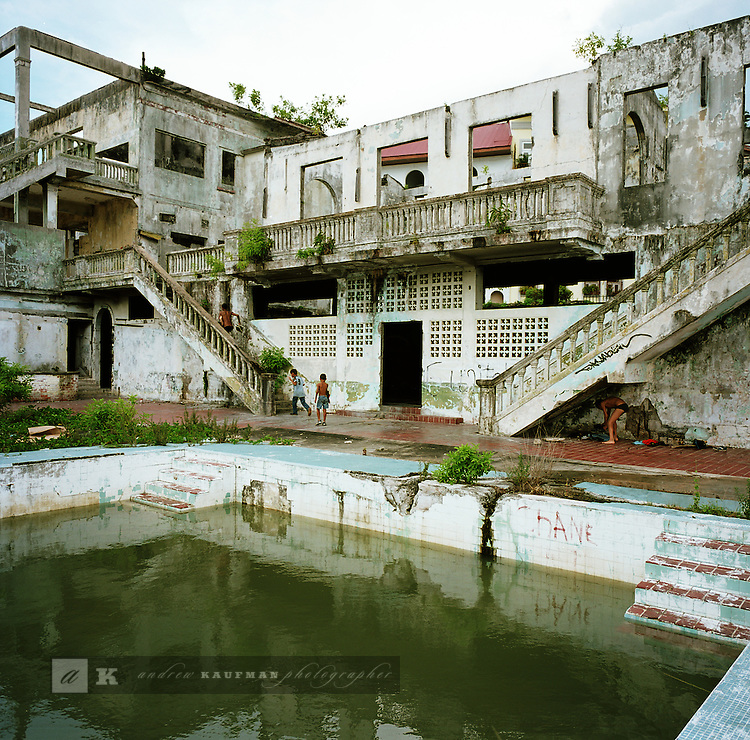 The Club de Clases y Tropas was Manuel Noriega's hideout. He used to use the club as a office, hangout and hideout. It is at the tip of Casco Viejo and has been a location in a James Bond film.