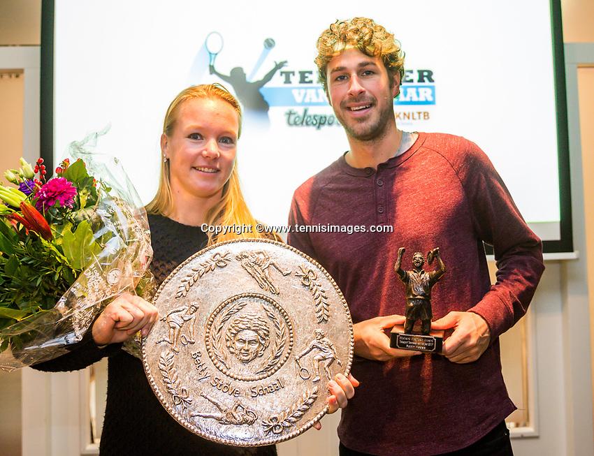 Rotterdam, Netherlands, December 17, 2017, Topsportcentrum, Ned. Loterij NK Tennis, Tennisplayer of the year award, winners Kiki Bertens and Robin Haase<br /> Photo: Tennisimages/Henk Koster