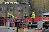 Trabalho de construção. Londres. Inglaterra. 2008. Foto de Juca Martins.
