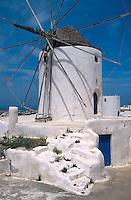 Windmühle in Vothonas, Insel Santorin (Santorini), Griechenland, Europa