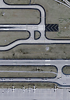 aerial photograph of airliners taxiing for tax off near the runway threshold runway 26 R Hartsfield Jackson Atlanta International airport (ATL), Georgia