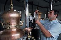 Europe/France/Alsace/67/Bas-Rhin/Lobsann: Jean-Claude Hoeffler distillateur - producteur d'eaux de vie d'Alsace [Non destiné à un usage publicitaire - Not intended for an advertising use]