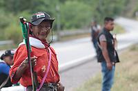 HUILA - COLOMBIA, 14-03-2019: Más de 1500 indígenas provenientes de 30 comunidades permanecen concentrados en el sector del puente Pescador, en la vía que comunica a los municipios de Hobo y Gigante en el departamento del Huila. Todos ellos provienen del suroccidente del Huila y participan en la Minga promovida desde Caldono, Cauca. / More than 1500 indigenous people from 30 communities remain concentrated in the Pescador Bridge sector, on the road that connects the municipalities of Hobo and Gigante in the department of Huila. All of them come from the southwest of Huila and participate in the Minga promoted from Caldono village, Cauca. Photo: VizzorImage / Sergio Reyes / Cont