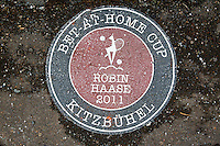 Austria, Kitzbuhel, Juli 14, 2015, Tennis, Davis Cup, Training Dutch team, Robin Haase ground plate at centercourt<br /> Photo: Tennisimages/Henk Koster