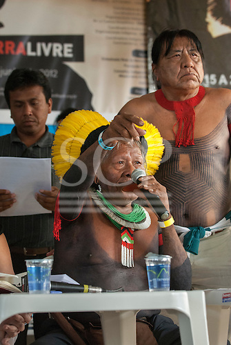 The People's Summit at the United Nations Conference on Sustainable Development (Rio+20), Rio de Janeiro, Brazil, 16th June 2012.  Chief Raoni Txukaramae addresses the meeting of Indigenous peoples.
