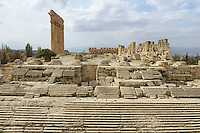 LEBANON Baalbek in Beqaa valley, UNESCO world heritage romanian temple site Baalbek Heliopolis  / LIBANON Baalbek in der Bekaa Ebene, Altertum und UNESCO Welterbe roemische Tempelanlage Baalbek/Heliopolis, Saeulen des Jupiter Tempel