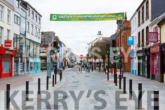 Killarney Chamber of Commerce has erected a 'Take care of yourselves and each other' over High Street
