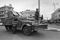 - Israeli soldiers patrol  the Ramallah town<br /> <br /> - militari israeliani in pattuglia nella città di  Ramallah